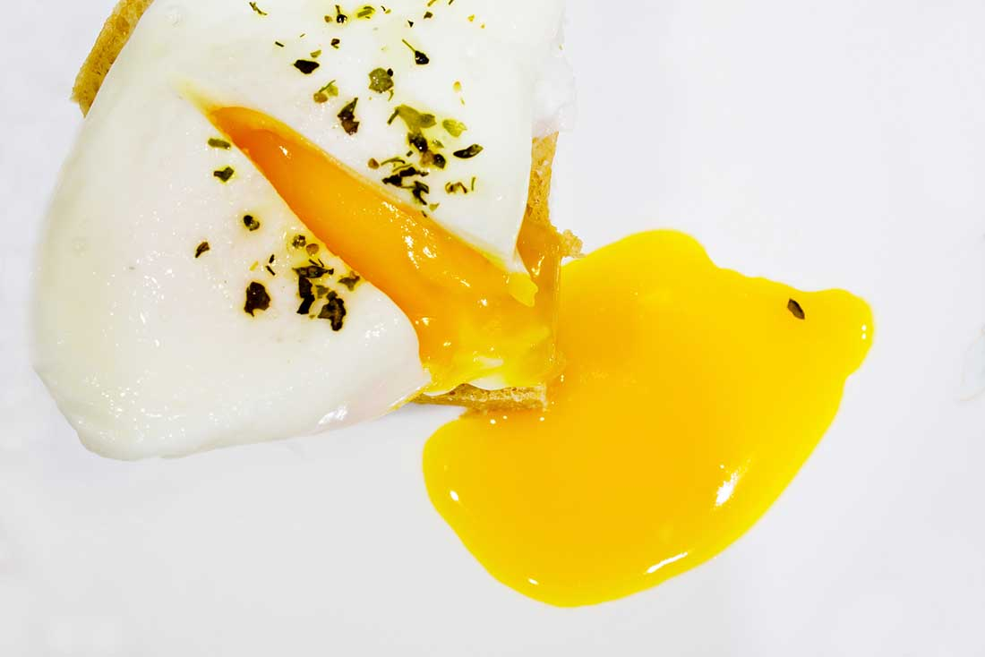 Low carb foods high in vitamin D - eggs