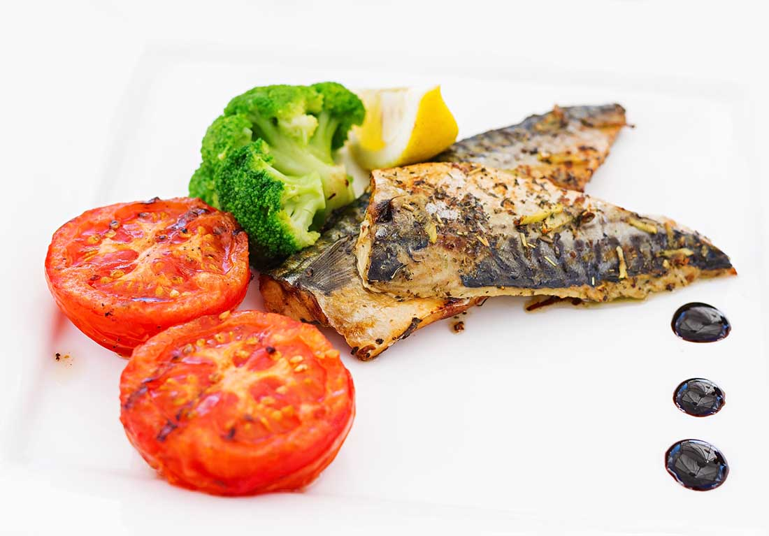 Low carb foods high in vitamin D - mackerel