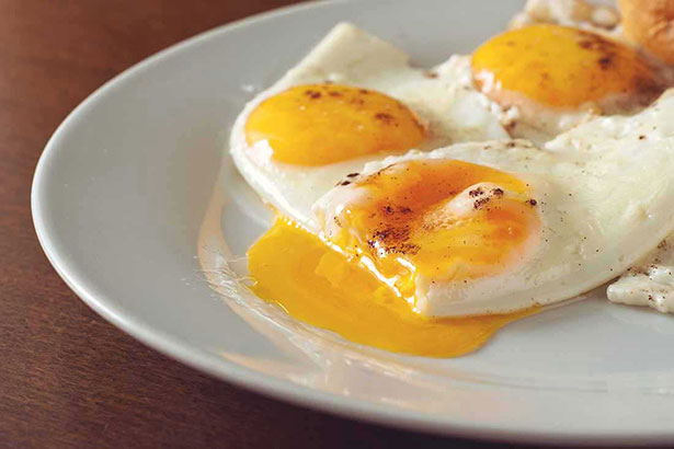 Picture of eggs - low carb shopping list