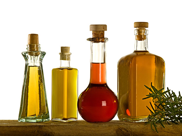 Picture of fats and oils suitable for a keto diet