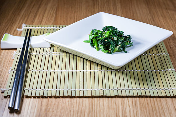 An International Side Dish - Korean Seasoned Spinach is Well-Known.