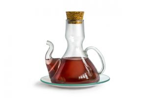 Picture of a Bottle of Red Wine Vinegar